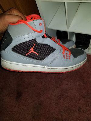 Jordan's like new 11 and half in men for Sale in Fresno, CA