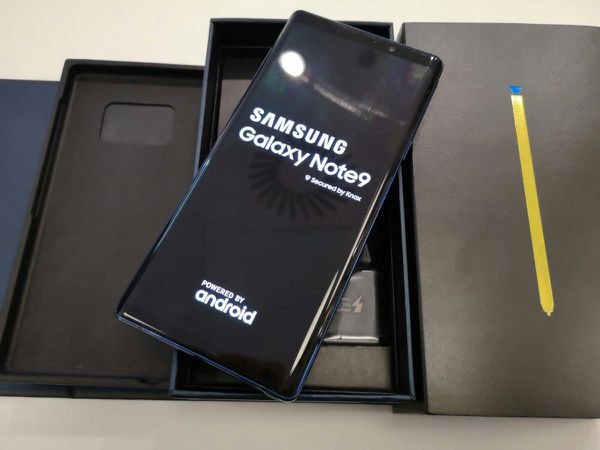 Samsung Galaxy Note 9 | Unlocked | Like New Condition | Comes With 30 Days Warranty