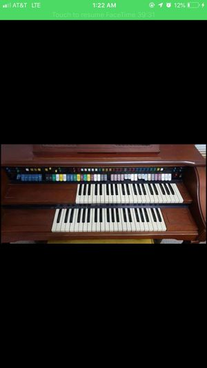 Electric organ for Sale in Granville, OH