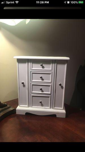 Jewlrely box/dresser for Sale in Quincy, IL