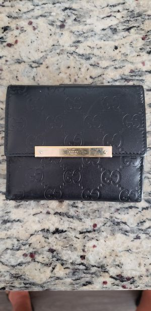 Gucci wallet for Sale in Aliso Viejo, CA