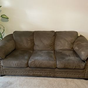 Sofa w/chair & ottoman for Sale in Lithia Springs, GA