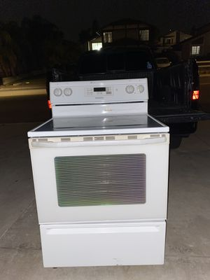 Electric stove Maytag for Sale in Moreno Valley, CA