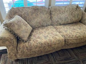 Couch for Sale in Glendale, AZ