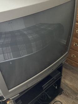 Free FREE!! Bedroom Suit MUST Pick Up & Go for Sale in Snellville,  GA