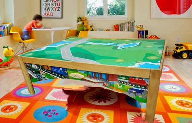 KIDS KRAFT TRAIN TABLE for Sale in East Peoria,  IL