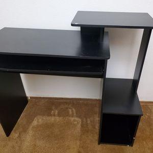 Small Black Desk for Sale in Bellevue, WA