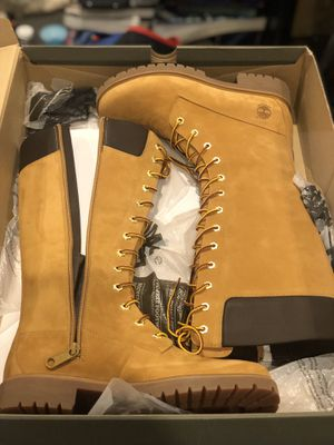 TIMBERLAND BOOTS SIZE 8 WOMEN TALL BOOTS for Sale in Newark, NJ