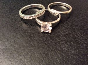 3 piece Diamond women's silver wedding ring set. ($25 cash ) cubic zirconia for Sale in Campbell, CA