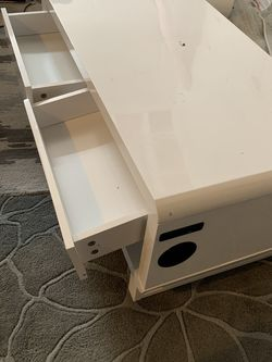 White Coffee Table $100 for Sale in Aurora,  CO