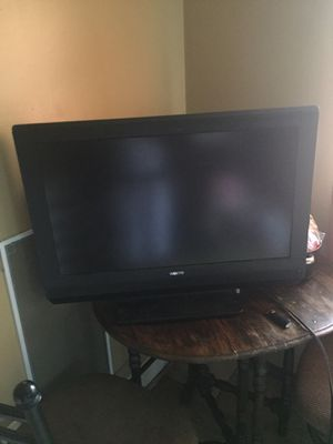 34 inch tv for Sale in Columbus, OH
