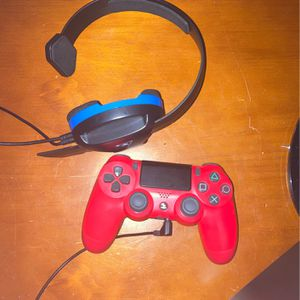 PS4 CONTROLLER & TURTLE BEACH HEADSET for Sale in Orlando, FL