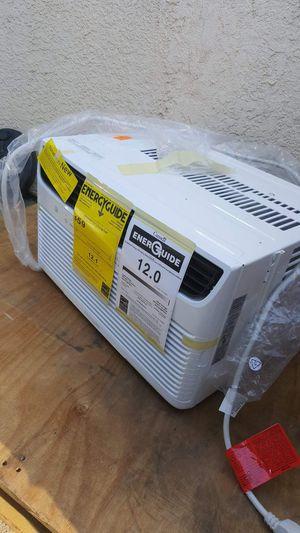 BRAND NEW AC WINDOW FRIGIDAIRE 8,000 BTU ENERGY SAVER for Sale in Los Angeles, CA