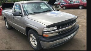 2001 Chevy Silverado 1500 290k Hwy miles clean runs and Drives!!! for Sale in Temple Hills, MD