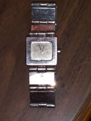 Gucci wrist watch for Sale in Pleasant Hill, IA