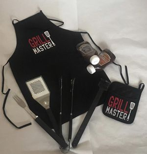Apron and pot holder set $20 ONLY 2 swts left for Sale in Glendale, AZ