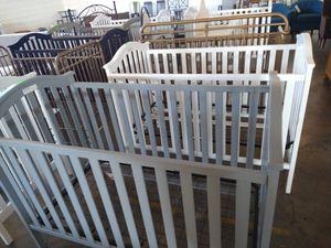 Grey or white crib for Sale in Dallas, TX