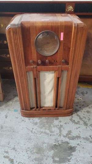 Antique Radio for Sale in Gardena, CA