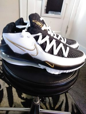 Nike LeBron 17 Basketball Shoes- Men's Size 8 for Sale in New Franklin, OH