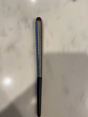 Urban Decay The Finger F110 Brush for Sale in Los Angeles, CA
