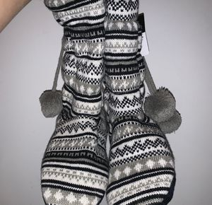 Cozy Slippers/Shoe Boots for Sale in Bolingbrook, IL