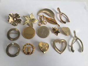 Beautiful brooch jewelry lot vintage To fashion 😍😍 ALL FOR &27 for Sale in Raleigh, NC