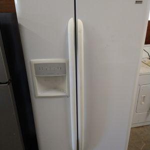 Side By Side Refrigerator for Sale in Jacksonville, FL
