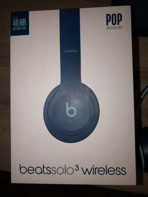 Like new Beats Solo 3 Pop Collection for Sale in Fullerton, CA