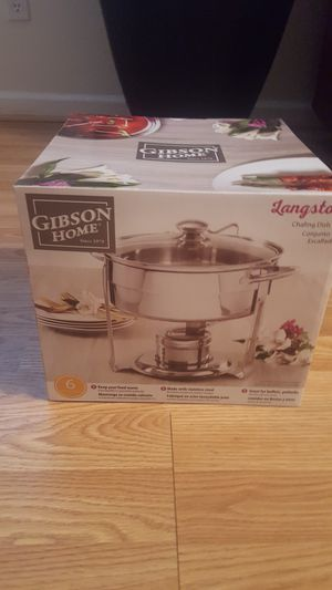 50% OFF!! BRAND NEW FACTORY SEALED STAINLESS STEEL HEATING AND CHAFING DISH BY GIBSON HOME. 4.5 QUARTS for Sale in Providence, RI