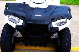 Price$800 Firm! 2O14 Polaris Sportsman four wheeler!! for Sale in Corona, CA