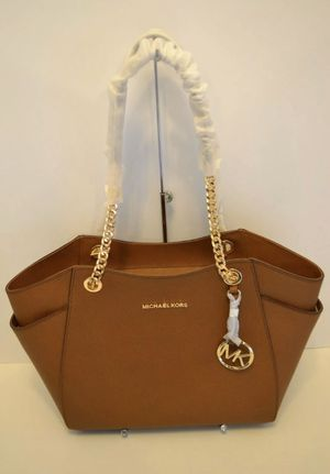 MICHAEL KORS PURSE LEATHER AUTHENTIC BRAND NEW for Sale in Riverside, CA