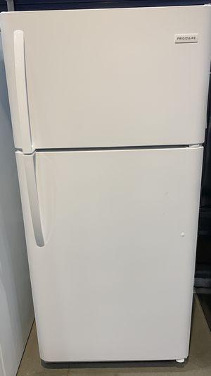 Frigidaire 18cuFT top freezer refrigerator for Sale in Los Angeles, CA