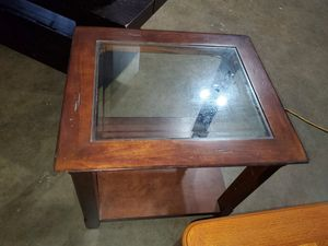 Beautiful end table for Sale in Julian, NC