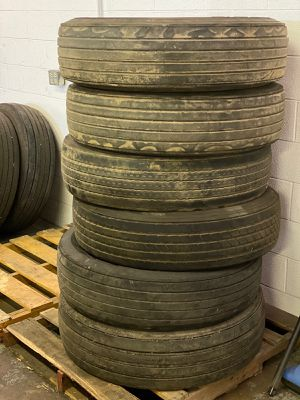 Semi truck, Semi trailer tires, Spare tires for Sale in Schaumburg, IL