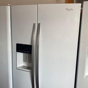 WHIRLPOOL WHITE SIDE BY SIDE REFRIGERATOR 90 day Warranty for Sale in San Antonio, TX