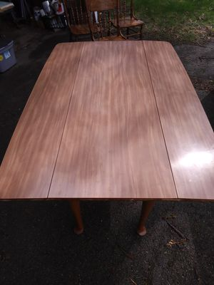 KITCHEN TABLE W/ 3 CHAIRS for Sale in Willoughby, OH