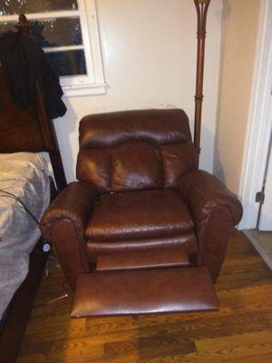 Gently used recliner for Sale in Atlanta, GA