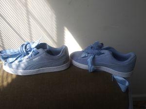 Free girls shoes sz 4 puma for Sale in Atlanta, GA