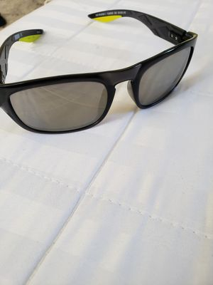 Puma polarized sunglasses like new for Sale in Queens, NY