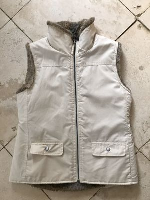 Gap vest reversible fake fur for Sale in Barrington, IL