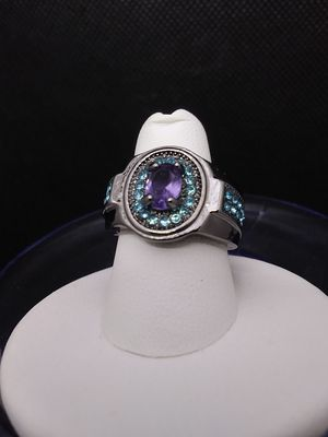 Jeweled Fashion Ring Size 7.5 for Sale in Grove City, OH