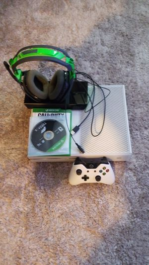 Xbox one for 200 for Sale in Hayward, CA