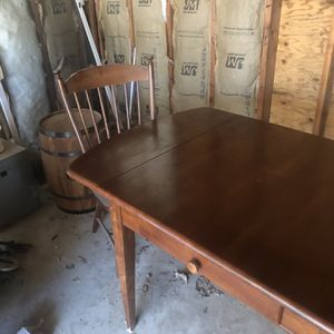 Vintage Table With 4 Chairs for Sale in Ripon, CA