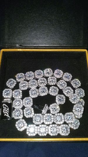 Ice chain white gold all around cluster chain for Sale in Chicago, IL