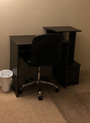 Black computer / office desk for Sale in Portland, OR