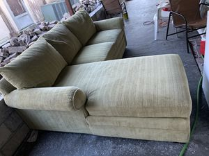 Sectional couch (free delivery) for Sale in West Palm Beach, FL