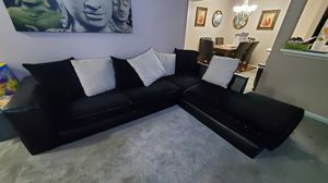FREE FREE sectional Crouch for Sale in Raleigh, NC