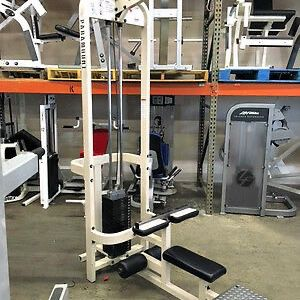 Paramount Lat Pulldown Gym Equipment for Sale in Miami, FL