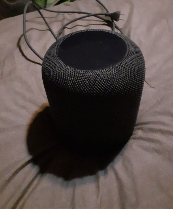 Apple Home Pod very gently used comes with box