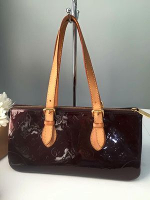LOUIS VUITTON Vernis Rosewood Ave Amarante for Sale in Tampa, FL
